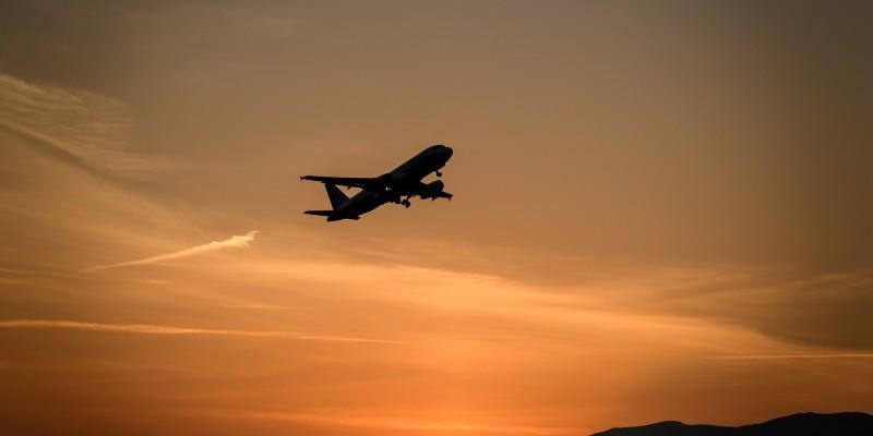 24d67d413 Generalmente esta pequeña maleta de equipaje de mano se usa para tener a la  mano objetos que puedes llegar a necesitar durante el viaje.